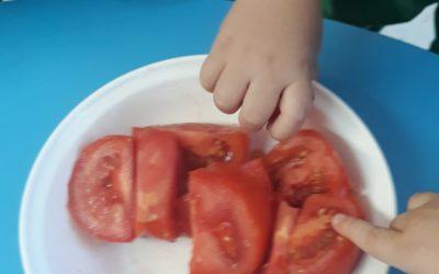 Protegido: Rojo tomate y rojo granada en clase de Andrea