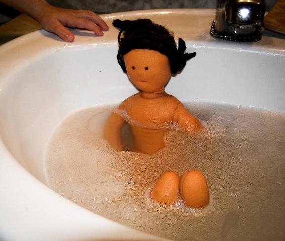 Protegido: Lavamos los muñecos